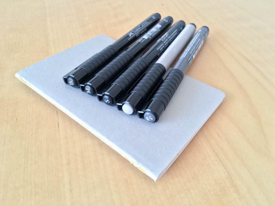 Carnet de croquis et stylos utilisé pour ce projet